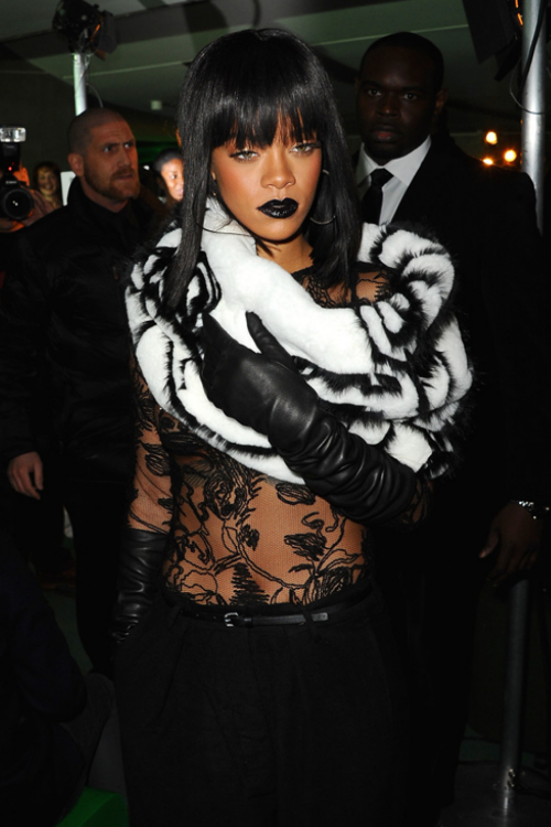 Rihanna-PaRIH Fashion Week|| JeanPaulGaultier